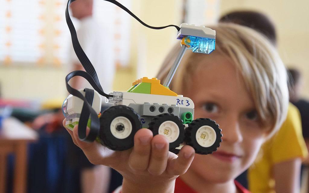 Uspešen zaključek poletnih delavnic Ciciban in robotek